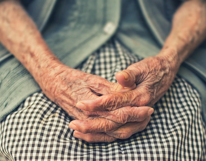 How to Talk to Your Loved One When Considering an Assisted Living Facility